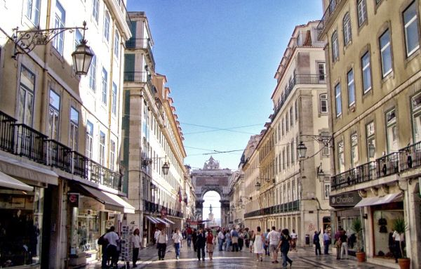 Érdemes sétálgatni a Baixa negyedben
