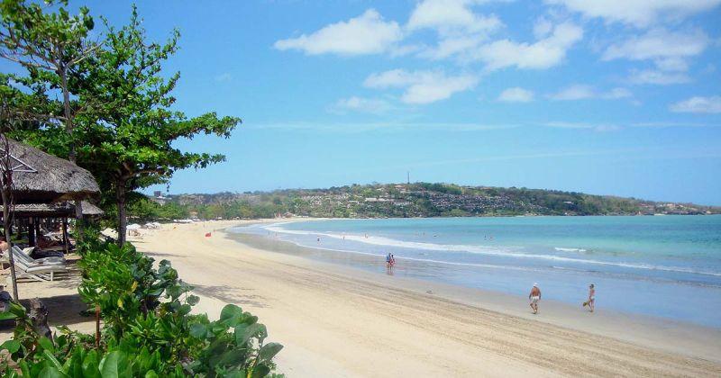 A reptértől délre ez népszerű strand