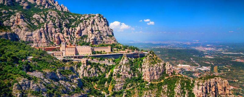A Montserrat elképesztő helyen fekszik