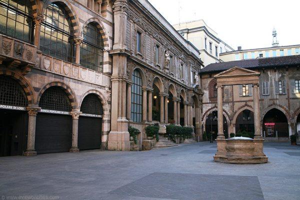 A Piazza Mercanti megőrizte régi jellegét