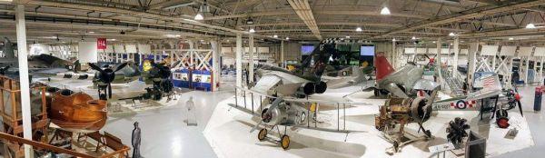A régi repülőgépek kedvelőinek kötelező a múzeum