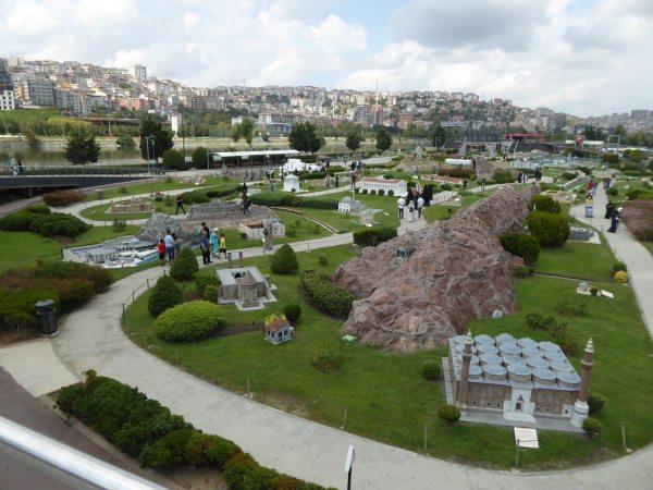 A Miniatürk parkban épületek kicsinyített másai vannak