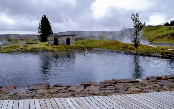 Ez Izland legrégebbi melegvizes medencéje