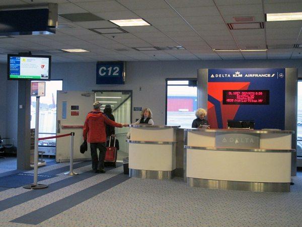 A repülőre beszálláskor elkérik a beszállókártyát