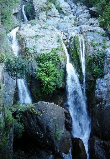 Cascade De L'Ucelluline vízesés