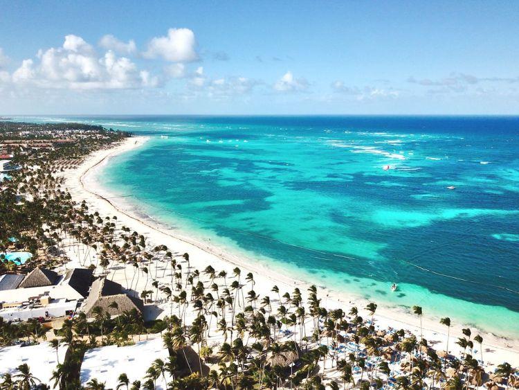 Dominika, azon belül Punta Cana híres a vakító fehér partokról