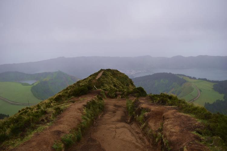Az út végén van Azori-szigetek legismertebb kilátóhelye