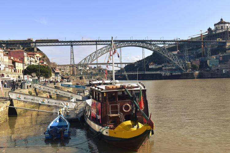 Porto látképe a Duoro mellől