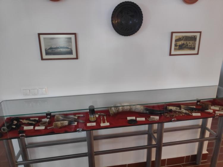 Régen használt eszközök is láthatók