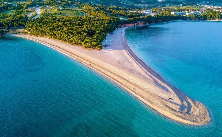 A szarvként benyúló rész miatt sokak szerint a legszebb horvát tengerpart