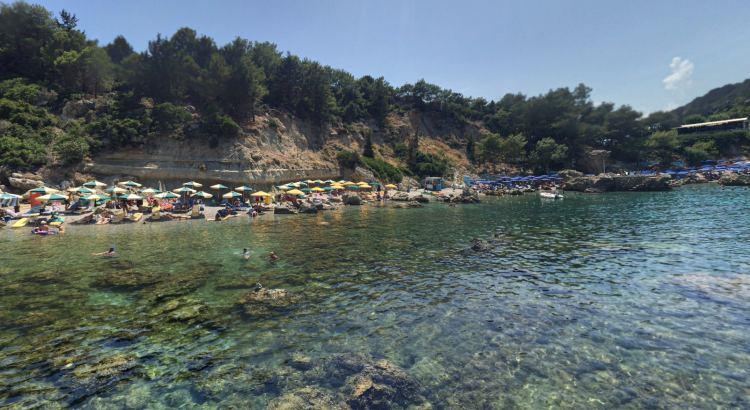 A kis öböl az egyik legnépszerűbb tengerpart