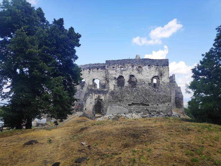 A várat folyamatosan újítják fel