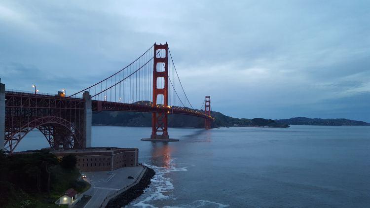 Kezdik kivilágítani a hidat