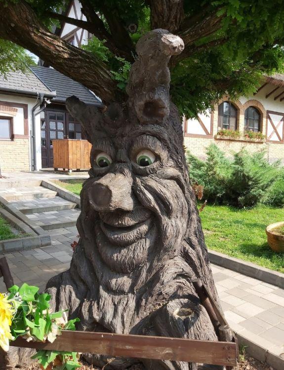 Egy beszélő fa :)