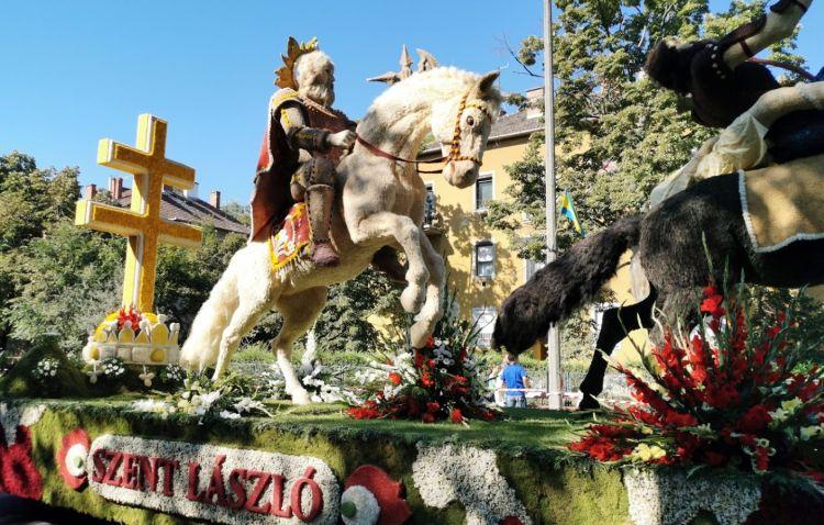 Debrecen leghíresebb rendezvényén ilyen alkotások is láthatók