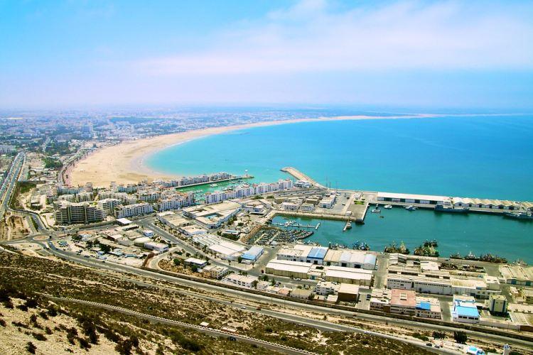 Agadir egyre fejlődő tengerparti város Marokkóban