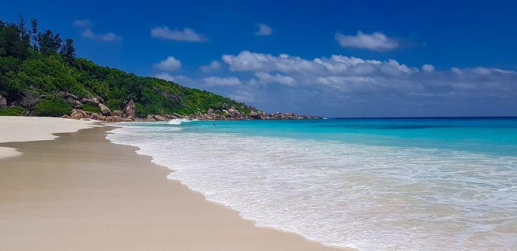 A Seychelle-szigetek rengeteg csodás tengerparttal rendelkezik