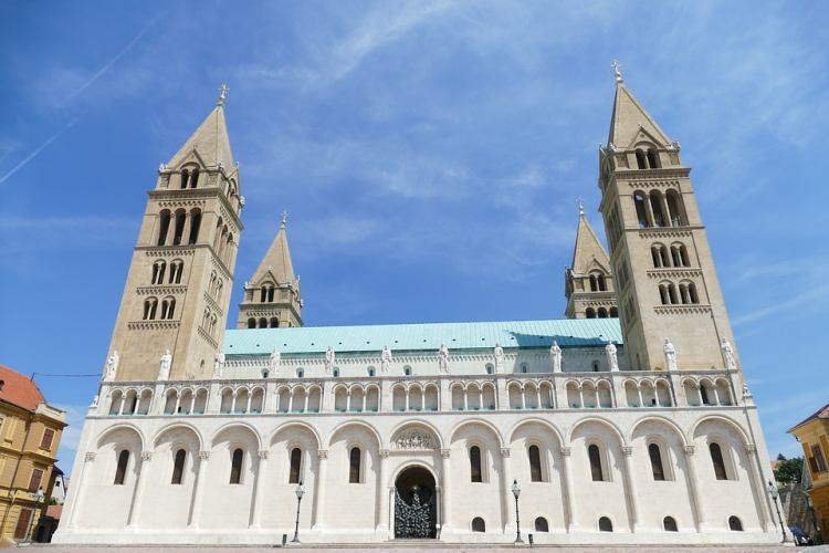 A bazilika híres az orgonájáról