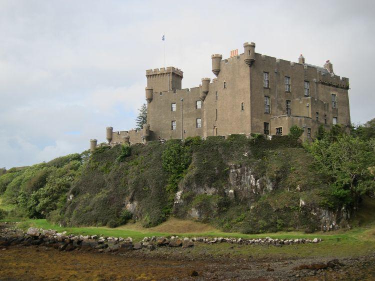 A MacLeod-ok otthona folyamatosan lakott kastély