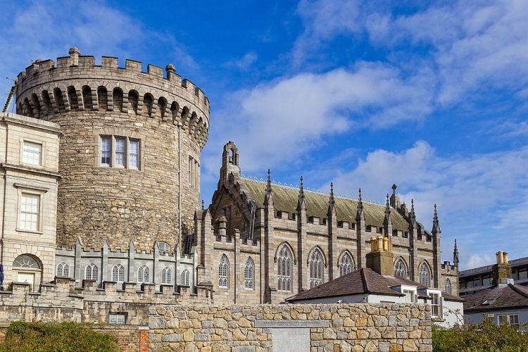 A régi várból mára csak a torony maradt meg