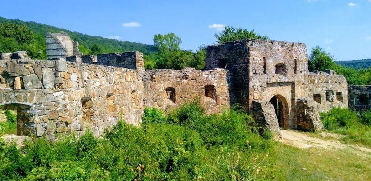 Sajnos eléggé lelombozó már a vár látványa