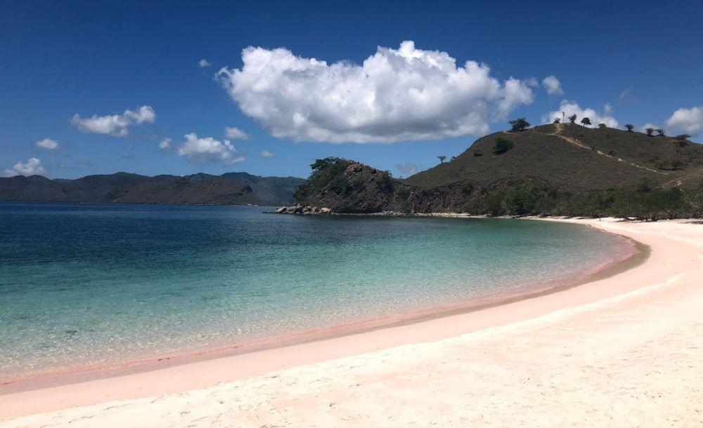 Különleges színű tengerpartok a világban