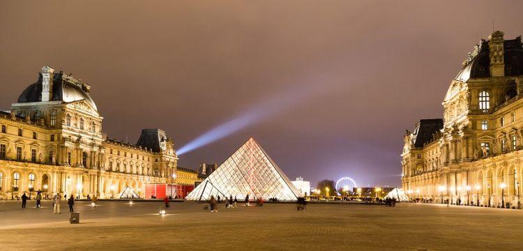 A világ egyik leghíresebb múzeuma a Louvre