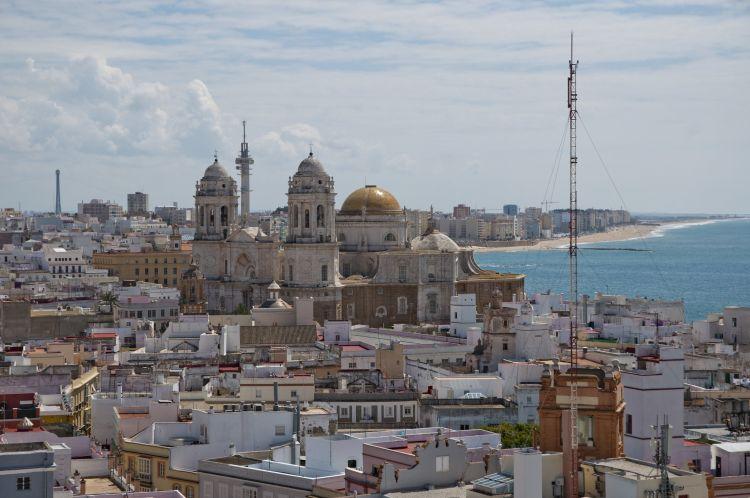 Cádiz óvárosa igazi andalúz stílusú