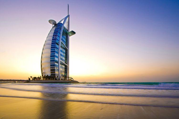 A Burj Al Arab a Dubaj látnivalók egyik kihagyhatatlan épülete
