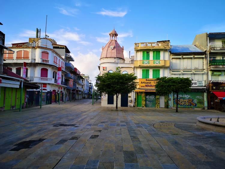 Pointe-à-Pitre a legnagyobb város, de nem Guadeloupe fővárosa