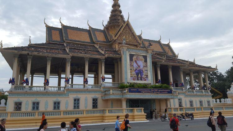 A palota nappal