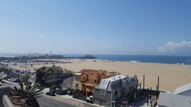 A Santa Monica tengerpartja és vidámparkja