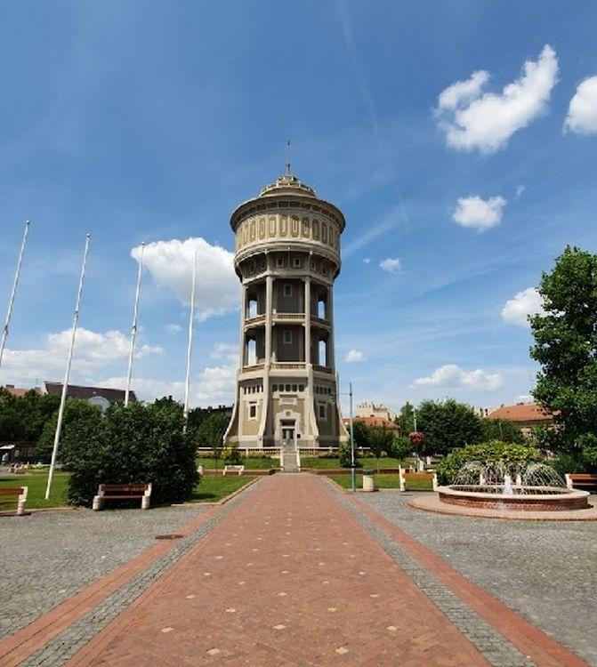 A torony kilátóként is üzemel