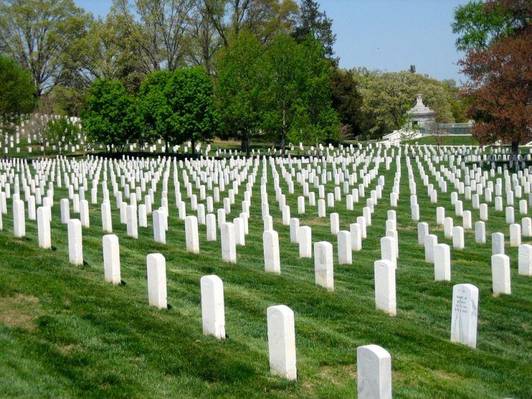A temető Washington látnivalók közt szerepeljen