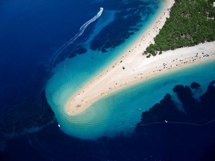 """Az """"Aranyszarv"""" a horvát Adria egyik legismertebb tengerpartja"""