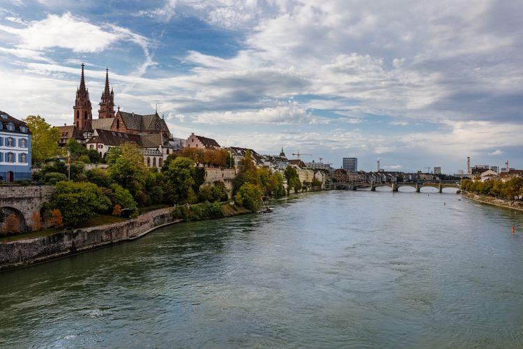 A svájci városra több kultúra hat