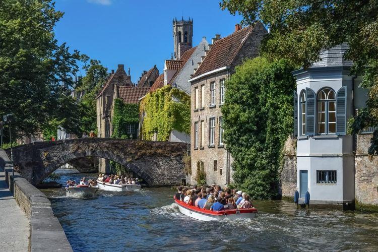 Brugge-ben még mindig ott vannak a hattyúk :)