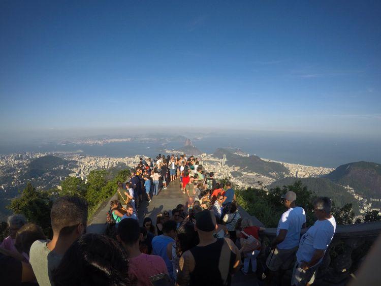 Rio de Janeiro leghíresebb kilátóhelye, a Jézus-szobortól
