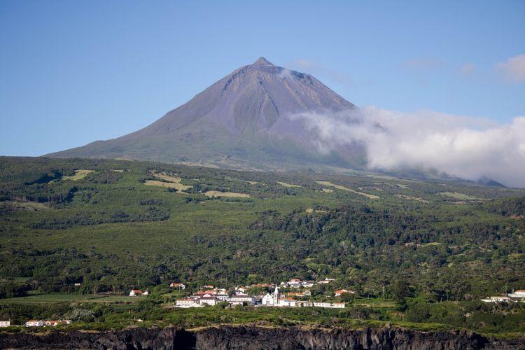A vulkáni hegy megmászása emeli Pico-t az Azori-szigetek látnivalók közé