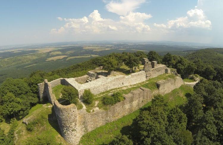 Drégely ostroma Arany Jánost is megihlette