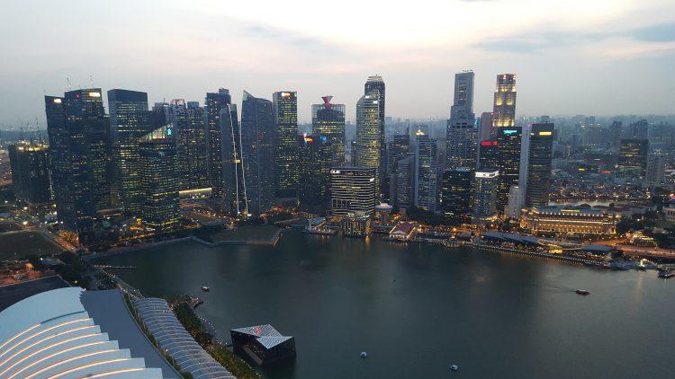 Ez a kilátás fogadott a Marina Sands Bay tetejéről