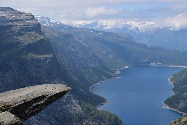Ki merne kiülni a sziklanyelvre? :)