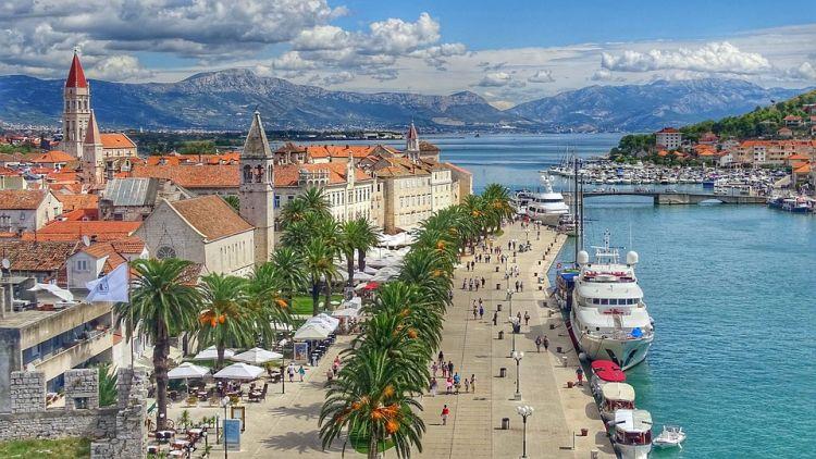 Trogir kötelező látnivaló, ha Splitben vagyunk
