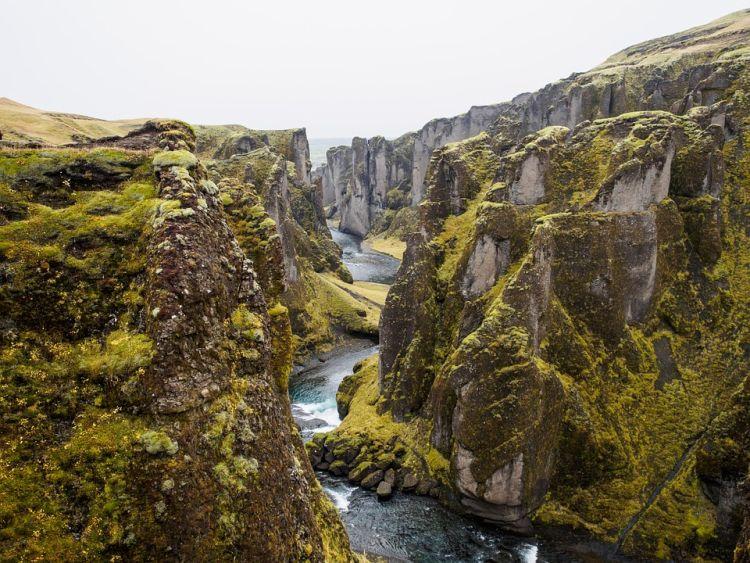 Izland látnivalók között ott van ez a könnyen kimondható kanyon is :)