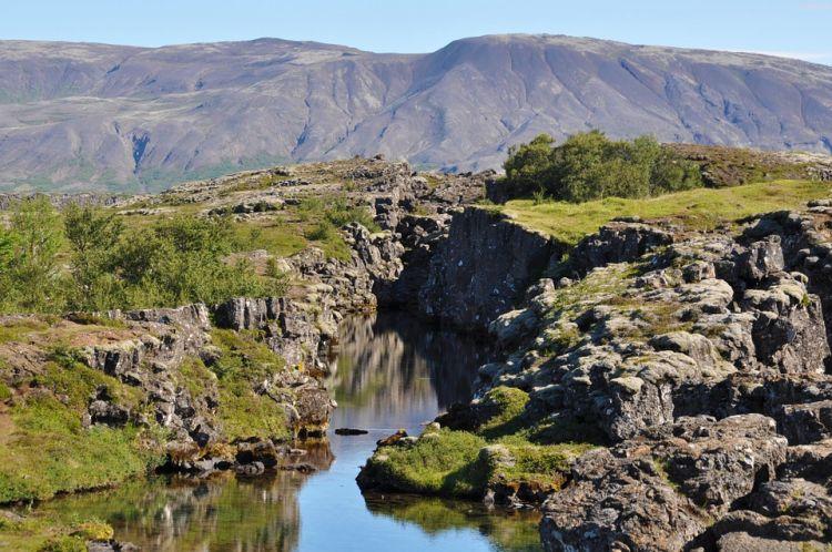 Izland látnivalók közé tartozik a Þingvellir Park is