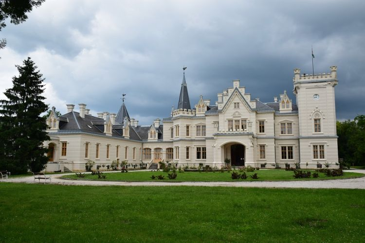 Angol stílusban épült meg a Nádasdyak kastélya