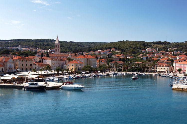 Hvar Európa egyik legverőfényesebb szigete