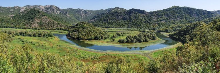 A tó északi része mocsaras jellegű, csodás kilátással