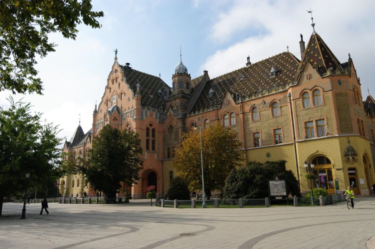 Kecskemét városháza is szecessziós stílusban épült