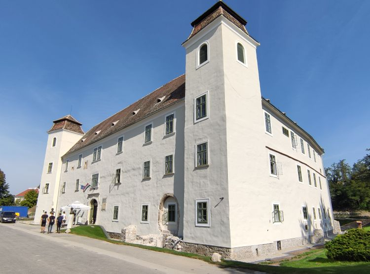 A vár egyik fő épülete